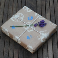 How to Make Vegetable Print Wrapping Paper - A Guest Post from Little Button Diaries